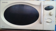 продам микроволновую печь Samsung M1727N(б/у)